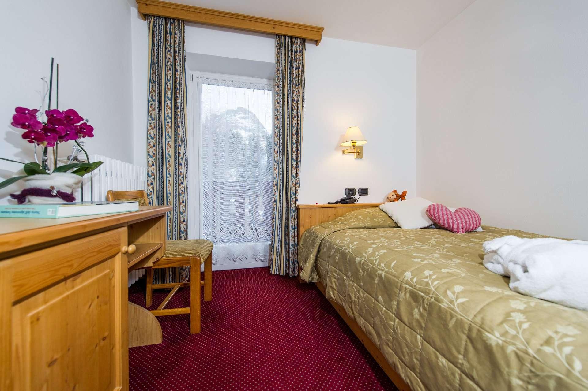 Camera singola hotel bellavista canazei val di fassa for Camera deputati diretta tv